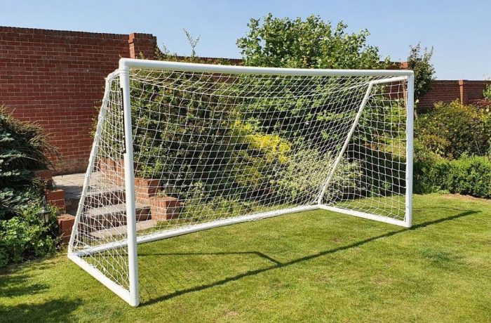 Folding plastic goal for quickplay